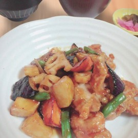 鶏肉と秋野菜の黒酢あんかけ定食
