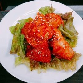 ヤンニョムチキン(韓国風甘辛チキン)