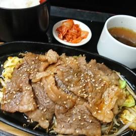 特製ダレの鉄板カルビ焼肉定食